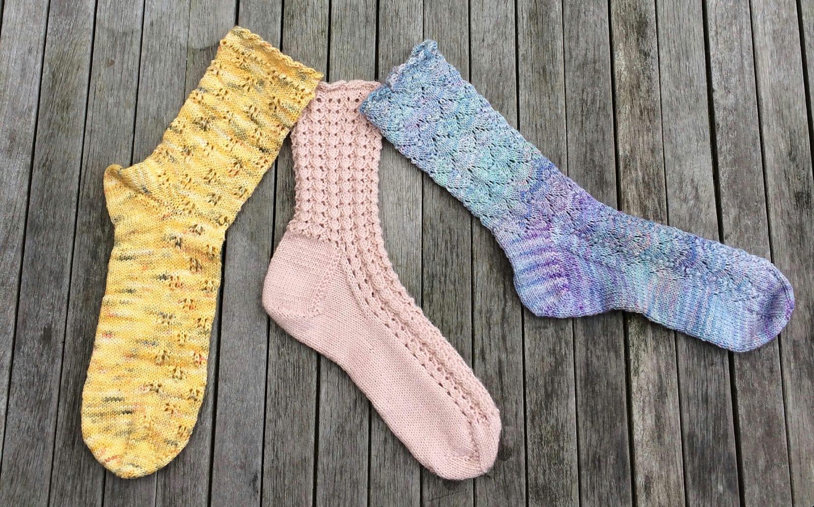 Knitting Groups Edinburgh : August newsletter knit for peace